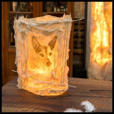 Lichtobjekte hergestellt aus den Schalen vom Spargel, Lichtobjekte von Simone Kamm, Objektkünstlerin aus Oberhausen,